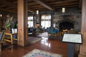 17 Crater Lake Lodge